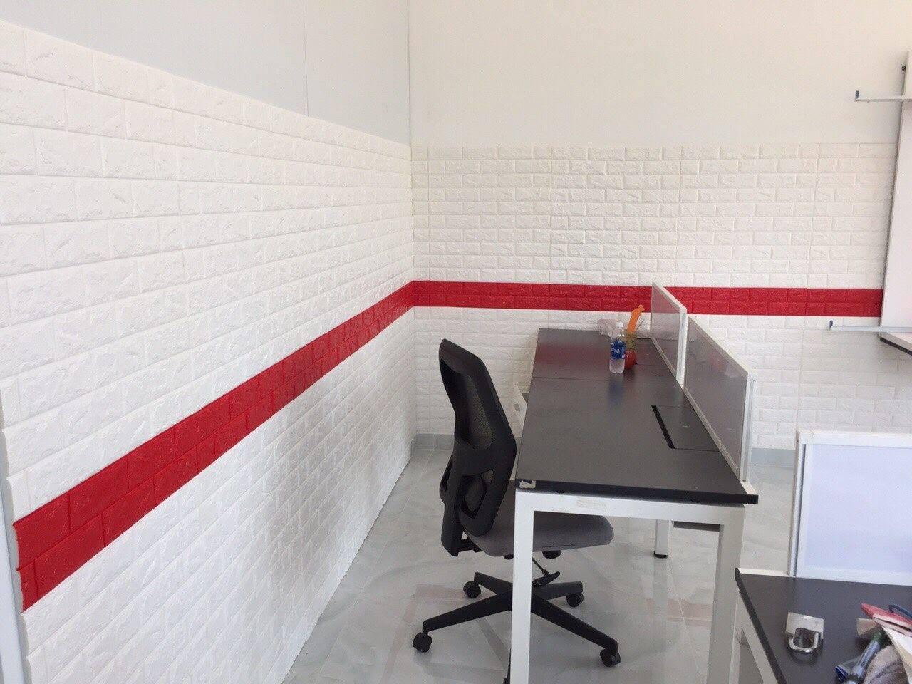 xốp dán tường màu đỏ
